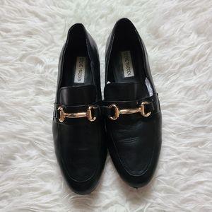Steve madden slip-on shoes